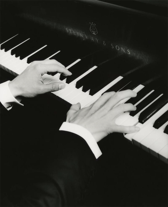 Joel Fan, pianist | Joel Fan hands